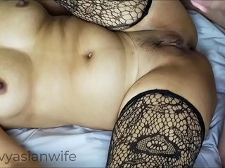 Thai cootchie splooging overhead my cock